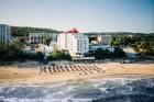 Kuren in Polen: Außenansicht des Hotel Amber Baltic in Misdroy Miedzyzdroje