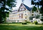 Kuren in Deutschland: Außenansicht der Dekimed Celenus Klinik Bad Elster Sachsen