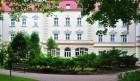 Kuren in Polen: Außenansicht des Sanatorium Gryf in Bad Polzin Polczyn Zdroj Polen