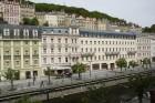 Kuren in Tschechien: Blick auf das Hotel Kolonada Karlovy Vary Karlsbad