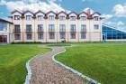 Kuren in Polen: Blick auf das Rehabilitations- und Erholungshaus Magnat Spa in Gribow Ostsee
