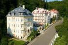 Kuren in Tschechien: Außenansicht des Kurhaus Manes in Karlsbad Karlovy Vary