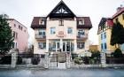 Kuren Tschechien: Außenansicht des Sanatorium Mariot Franzensbad Frantiskovy Lazne Westböhmen