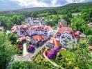 Kuren in Polen: Blick auf das Park Hotel Spa in Bad Flinsberg Swieradów Zdrój Isergebirge