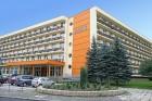 Kuren in Polen: Außenansicht vom Sanatorium Agat in Bad Warmbrunn Cieplice Zdrój