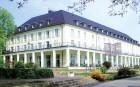 Kuren in Deutschland: Außenansicht vom Kurhaus am Burgsee in Bad Salzungen