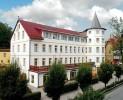 Kuren in Polen: Blick auf das Hotel Magnolia 1 in Bad Flinsberg Swieradów Zdrój Isergebirge