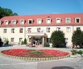 Kuren Slowakei: Blick auf das Kurhaus Mier in Bojnice Weinitz