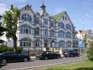 Kuren in Polen: Außenansicht des Kurhaus Senator in Swinemünde (Swinoujscie)