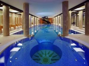 Kuren in Tschechien: Hallenbad des Alexandria Spa & Wellness Hotel Luhatschowitz Luhacovice