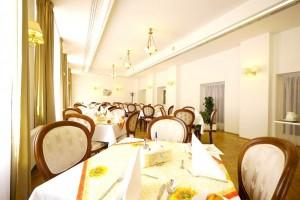 Kuren in Tschechien: Speisesaal im Astoria Hotel & Medical SPA in Karlsbad Karlovy Vary