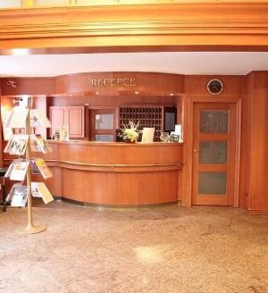 Kuren in Tschechien: Rezeption im Astoria Hotel & Medical SPA in Karlsbad Karlovy Vary
