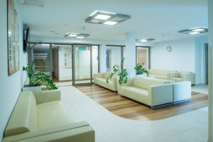 Kuren in Polen: Wartebereich im Sanatorium in Kolberg Kolobrzeg Ostsee Polen
