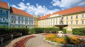 Kuren in Tschechien: Blick auf das Kurhaus Beethoven in Bad Teplitz Lázne Teplice