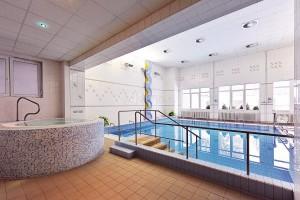 Kuren in Tschechien: Whirlpool des im Kurhotel Akademik Behounek in St. Joachimsthal Jáchymov