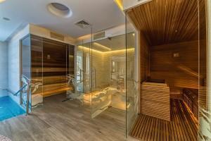 Kuren nach Polen: Sauna im Kurhotel Berliner in Bad Flinsberg Swieradów Zdrój Isergebirge