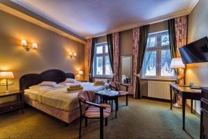 Kuren in Polen: Wohnbeispiel im Kurhotel Berliner in Bad Flinsberg Swieradów Zdrój Isergebirge