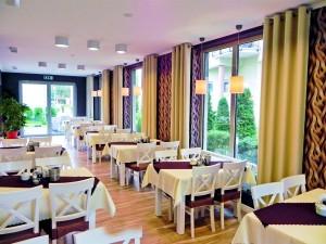 Kuren in Polen: Speisesaal im Kurhaus Bursztyn in Kolberg Kolobrzeg Ostsee