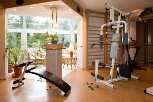 Kuren in Polen: Fitnessecke des Spa & Kur Hotel Czeszka Bad Flinsberg Swieradów Zdrój Isergebirge