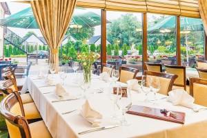 Kuren in Polen: Speiserestarant im Hotel Delfin Spa und Wellness in Neuwasser Dabki Ostsee