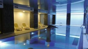 Kuren in Polen: Schwimmbad im Hotel Ewerdin Swinemünde Swinoujscie