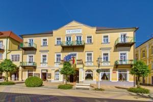 Kuren in Tschechien: Blick auf das Kurhaus Goethe in Franzensbad Frantiskovy Lazne