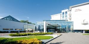 Kuren in Polen: Außenansicht vom Gesundheits- und Erholungszentrum Ikar Plaza in Kolberg Kolobrzeg