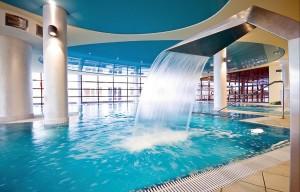 Kuren in Polen: Schwimmbad im Gesundheits- und Erholungszentrum Ikar Plaza in Kolberg Kolobrzeg