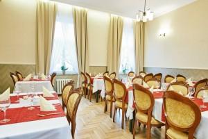 Kuren in Polen: Speisesaal des Hotel Jantar SPA Kolberg Kolobrzeg