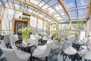 Kuren in Polen: Wintergarten im Hotel Jantar SPA Kolberg Kolobrzeg