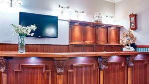 Kuren in Polen: Bar im Hotel Jantar SPA Kolberg Kolobrzeg