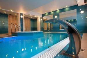Kuren in Polen: Schwimmbad im Hotel Kaisers Garten in Swinemünde