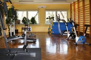 Kuren in Polen: Fitnessraum des Kurhotel Kaja in Bad Flinsberg Swieradów Zdrój Isergebirge