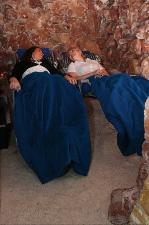 Kuren in Polen: Salzgrotte im Kurhotel Kaja in Bad Flinsberg Swieradów Zdrój Isergebirge