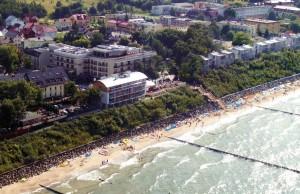 Kuren in Polen: Panoramablick über Hotel Lambert Medical SPA in Henkenhagen Ustronie Morskie und Küste