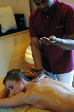 Kuren in Ungarn: Thaimassage des MenDan Magic SPA & Wellness Hotel in Zalakaros