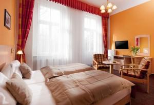 Kuren in Tschechien: Zimmerbeispiel im Kurhotel Metropol in Franzensbad Frantisvoky Lázne