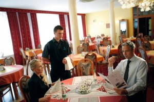 Kuren in Tschechien: Speiseraum im Kurhotel Miramare Luhacovice Luhatschowitz