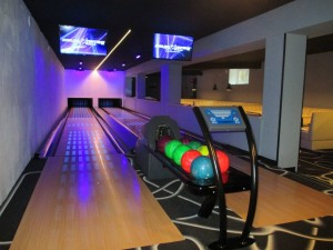Kuren in Polen: Bowlingbahn in der Klinika Mlodosci Medical SPA Bad Flinsberg Isergebirge