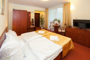 Kuren in Polen: Zimmerbeispiel in der Klinika Mlodosci Medical SPA Bad Flinsberg Isergebirge