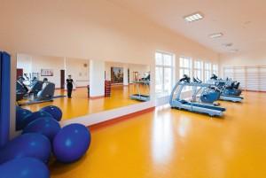 Kuren in Polen: Fitnessraum in der Klinika Mlodosci Medical SPA Bad Flinsberg Isergebirge