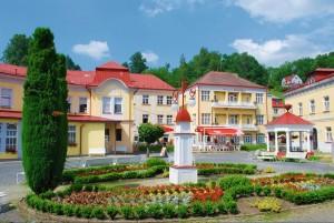 Kuren in Tschechien: Gebäude auf den Kurgelände von Bad Liebwerda