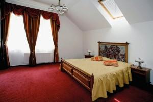 Kuren in Tschechien: Wohnbeispiel Dachgeschoss im Hotel Novy Dum in Bad Liebwerda
