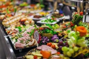 Kuren in Polen: Bufett im Kurhaus Olymp 3 in Kolberg Kolobrzeg Ostsee