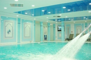 Kuren in Tschechien: Hallenbad im Danubius Health Spa Resort Grandhotel Pacifik in Marienbad Mariánské Lázně