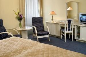 Kuren in Tschechien: Zimmerbeispiel im Danubius Health Spa Resort Grandhotel Pacifik in Marienbad Mariánské Lázně