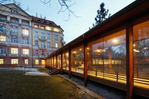 Kuren in Tschechien: Verbindungsgang zum Kurhotel Pawlik in Franzensbad Frantiskovy Lazne