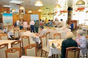 Kuren in Polen: Speisesaal vom Sanatorium Perla Baltyku in Kolberg Kolobrzeg Ostsee