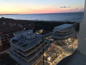 Kuren in Polen: Blick am Abend vom Radisson Blu Resort Swinemünde Swinoujscie