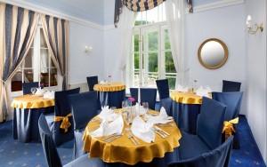 Kuren in Tschechien: Blaues Restaurant im Kurhotel Radium Palace in St. Joachimsthal Jáchymov